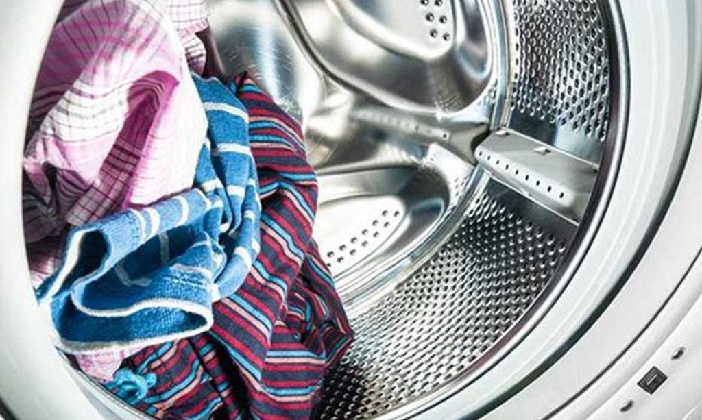 علت سفیدک زدن لباس در لباسشویی